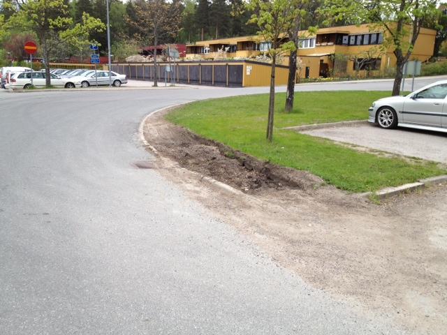 Hålet vid busshållplatsen